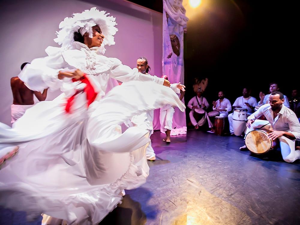 Bombazo Dance Company