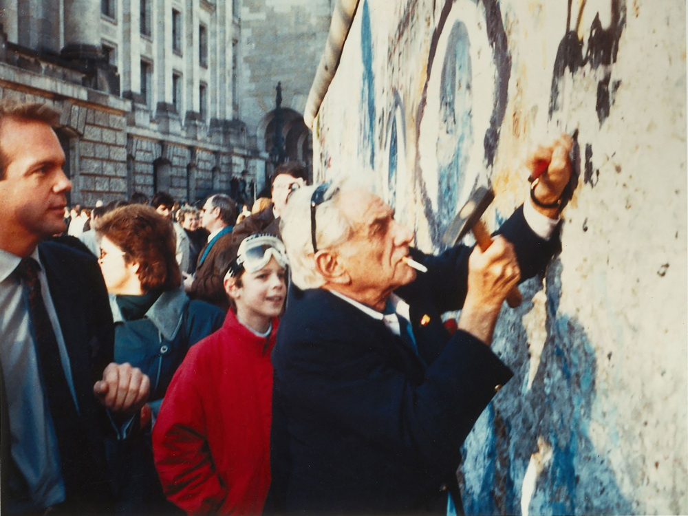 Leonard Bernstein and assistant Craig Urquhart at the Berlin Wall